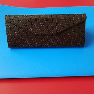 NWOT Gucci collapsible eyeglass case